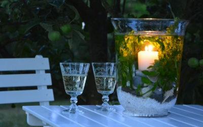Hořící svíčka ve váze s vodou – jde to!